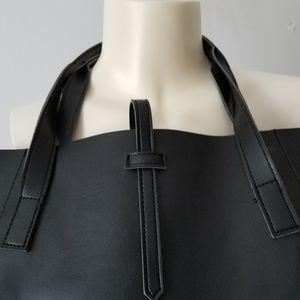 2aa6111eeec1 Saks Fifth Avenue Black Label Bags - Saks 5th Avenue black label tote